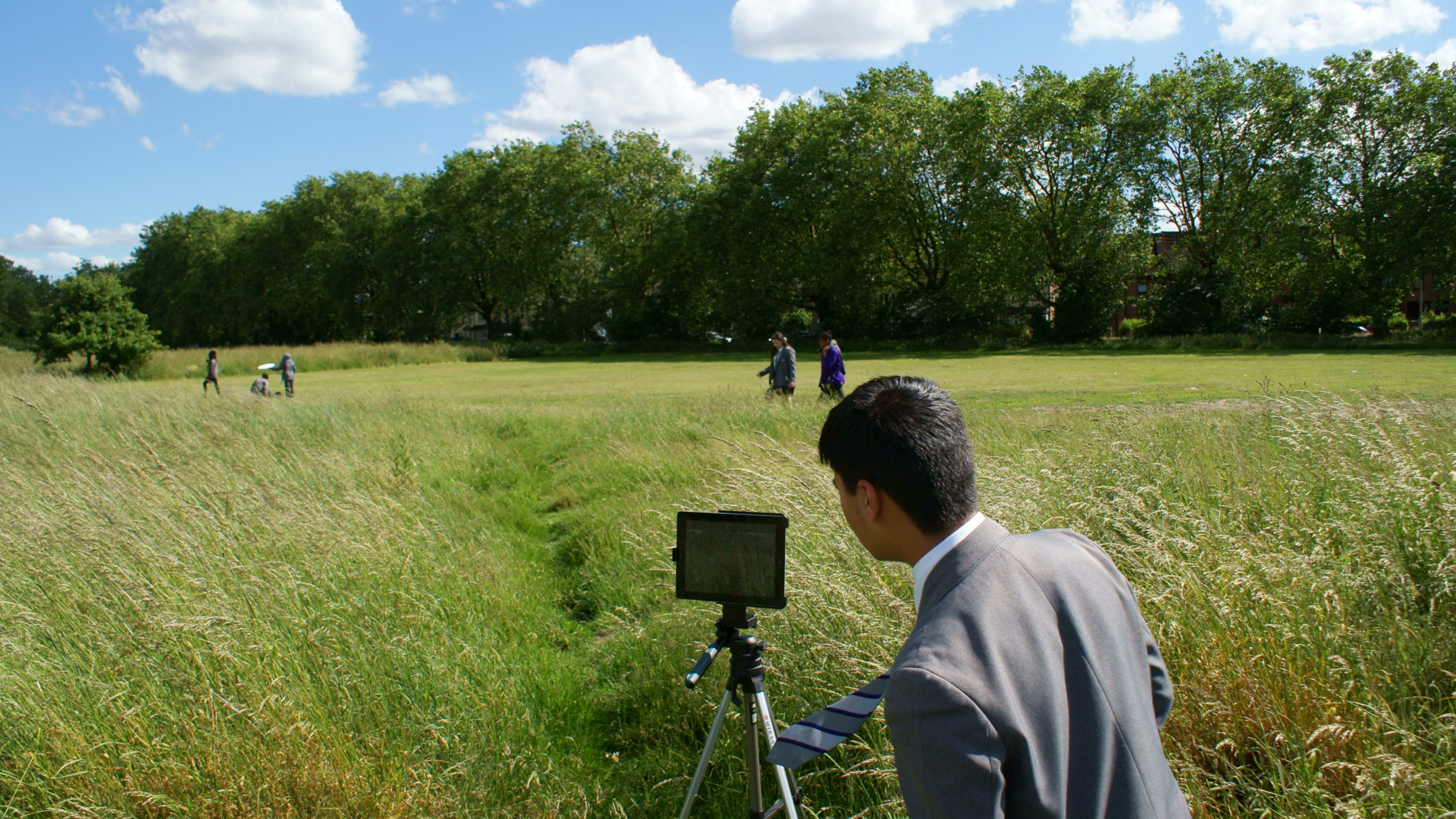 A mini filmmaking guide with tips for young people on selecting locations