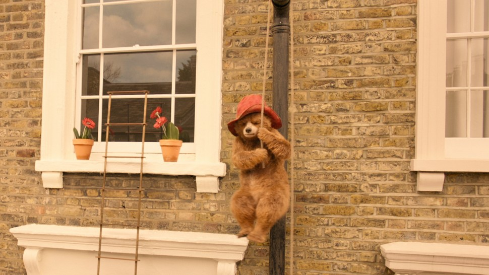 Paddington 2 (hanging around)