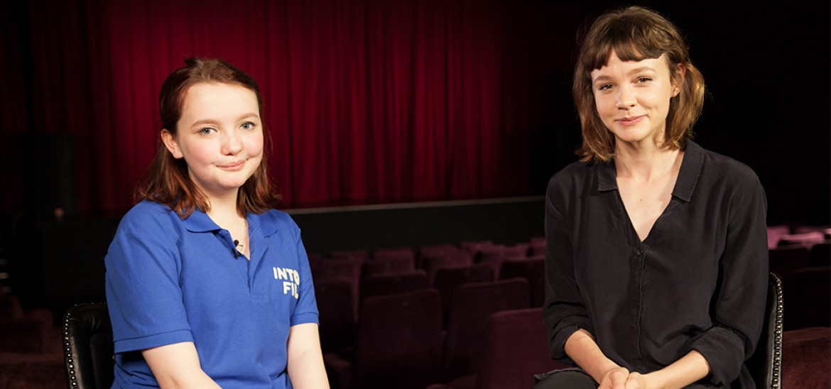 Carey Mulligan and reporter Catherine