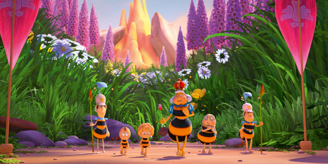 film   maya the bee the honey games   into film