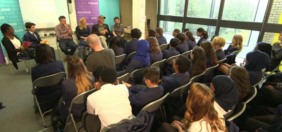 The hilarious cast of Bill get quizzed by London students