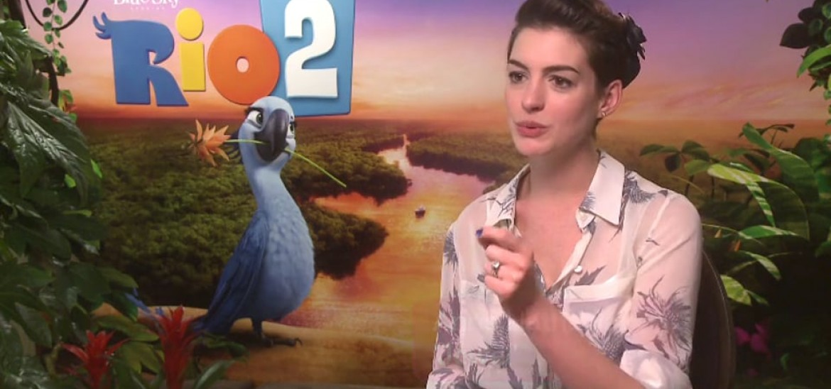 Rio 2 interviews with Anne Hathaway and... a cockatoo?