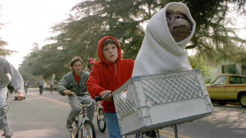 film 2800 e t the extra terrestrial hi res 490bbde1 - E.T. è ritornato dallo spazio profondo per far visita al suo vecchio amico